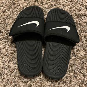 Kids Black Nike Athletic Slides - Size 12